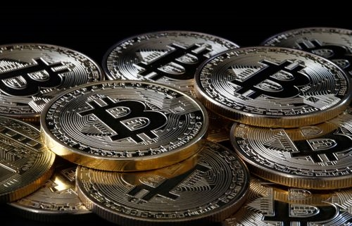 Bitcoin은 cryptocurrency 과대 광고 이후 플래시 크래시를 겪습니다.