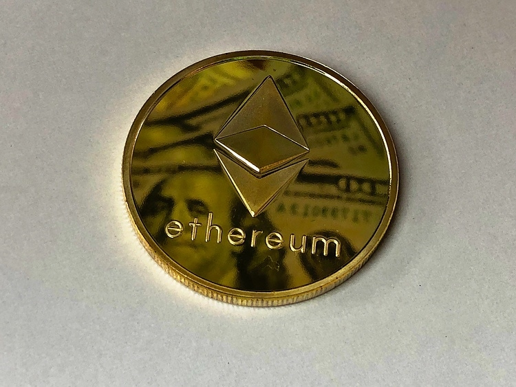 Three reasons why Ethereum exchange reserves are falling to new lows