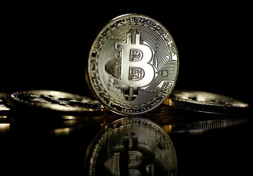 Mid-Cap Altcoins Hold Onto Highs Better Than Bitcoin (BTC)